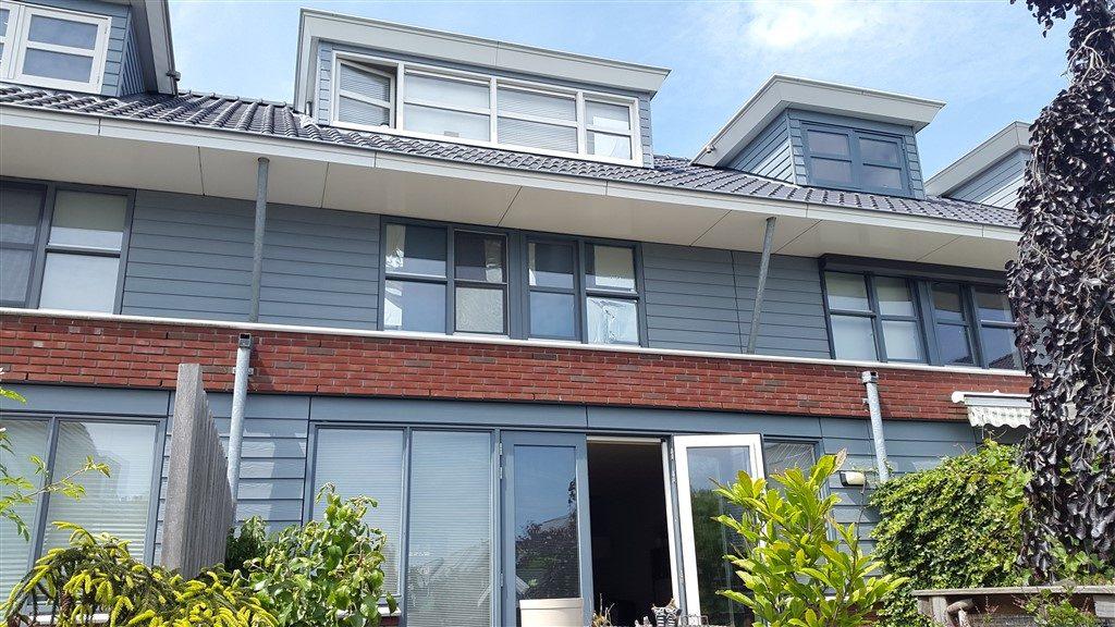 Screen op dakkapel en terrasscherm op uitbouw monteren in Vleuten