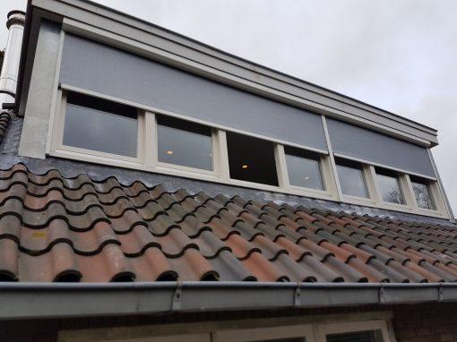 Ritsscreen Hilversum met verduisterend doek op dakkapel