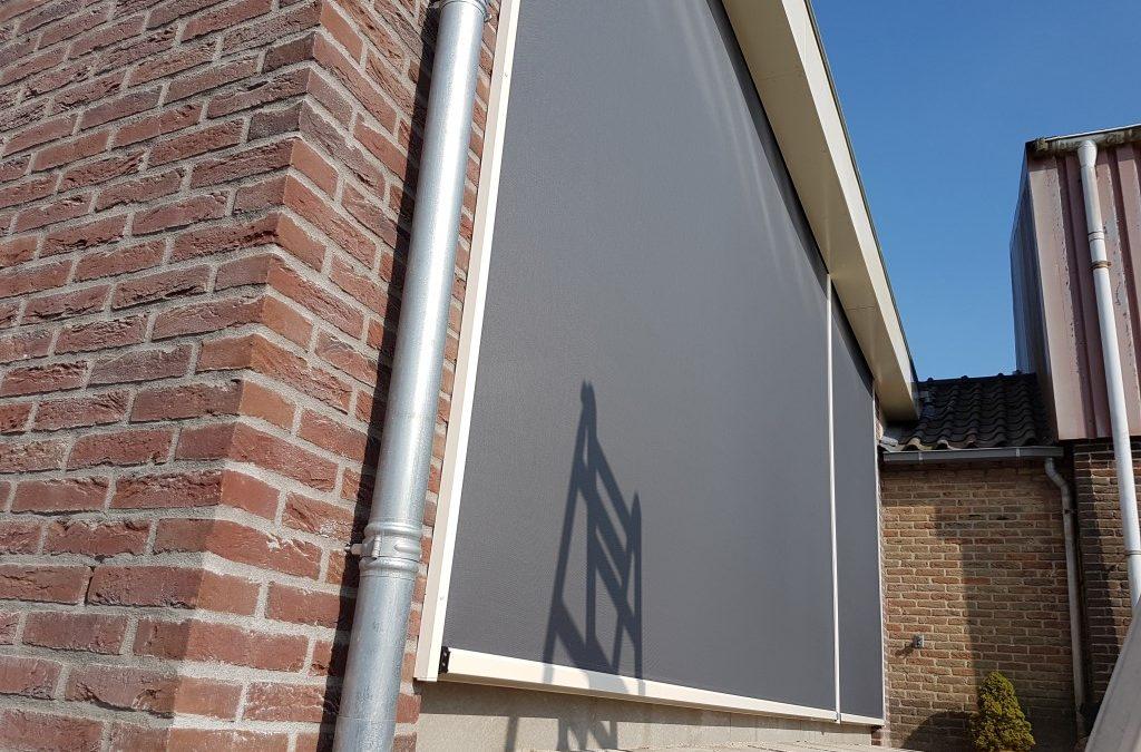 Ritsscreens Montfoort inbouwen in overstek uitbouw