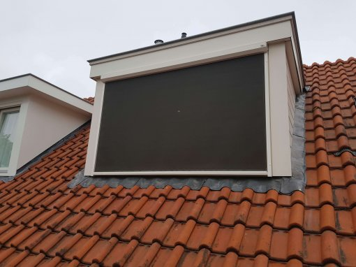 Screen op dakkapel Oog in Al