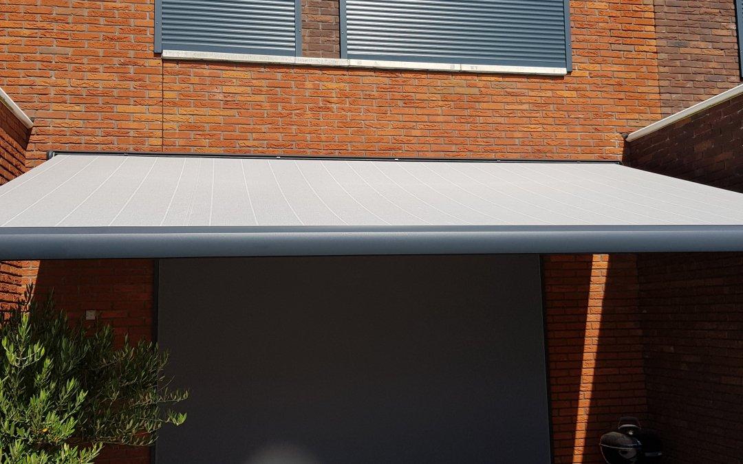 Screens, rolluiken en zonnescherm geplaatst